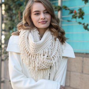 Lattice infinity scarf with fringe ivory